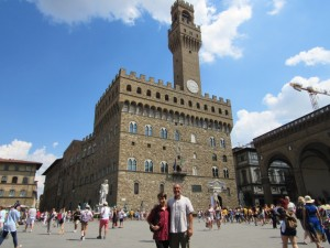 Among the throngs of tourists in Piazza Signorina.